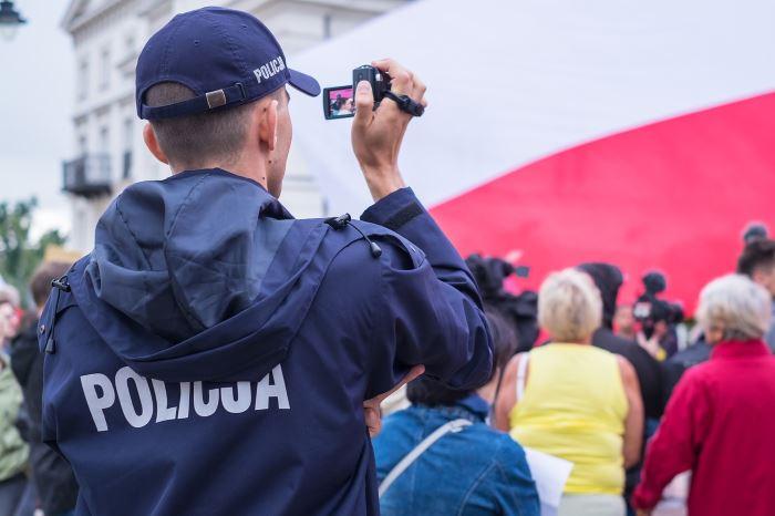 """Policja Łódź: Bezpieczne wakacje z """"Kotem Prewencjuszem"""""""